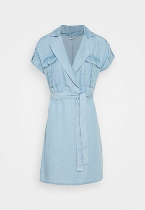 NMVERA ENDI SHIRT DRESS - Spijkerjurk - light blue denim