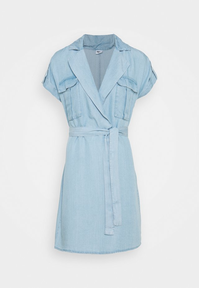 NMVERA ENDI SHIRT DRESS - Farkkumekko - light blue denim