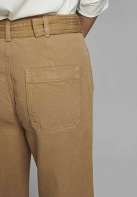 Nümph - NUCASSAVA  - Trousers - tannin - 3