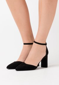 Rubi Shoes by Cotton On - JEANNE CLOSED TOE HEEL - Decolleté - black - 0