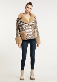 Frieda & Freddies - STEPPJACKE VANESSA MIT OVERSIZE SCHNITT - Winter jacket - gold - 1