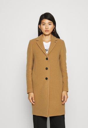 ESSENTIAL - Classic coat - soft camel
