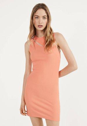 MIT SCHLITZ - Shift dress - orange