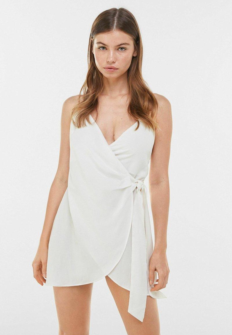 Bershka - Denní šaty - white