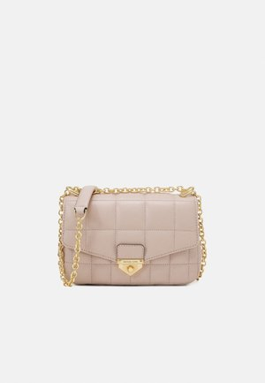 SOHOSM CHAIN - Across body bag - soft pink