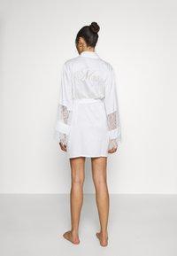 Hunkemöller - KIMONO - Dressing gown - off white - 2