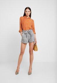 Neuw - RUSTY - Button-down blouse - cognac - 1