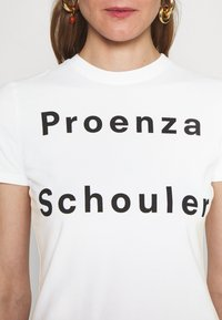Proenza Schouler White Label - SOLID LOGO  - Print T-shirt - white - 4