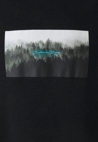NU-IN - NATURE PRINT OVERSIZED - T-shirt med print - black - 2