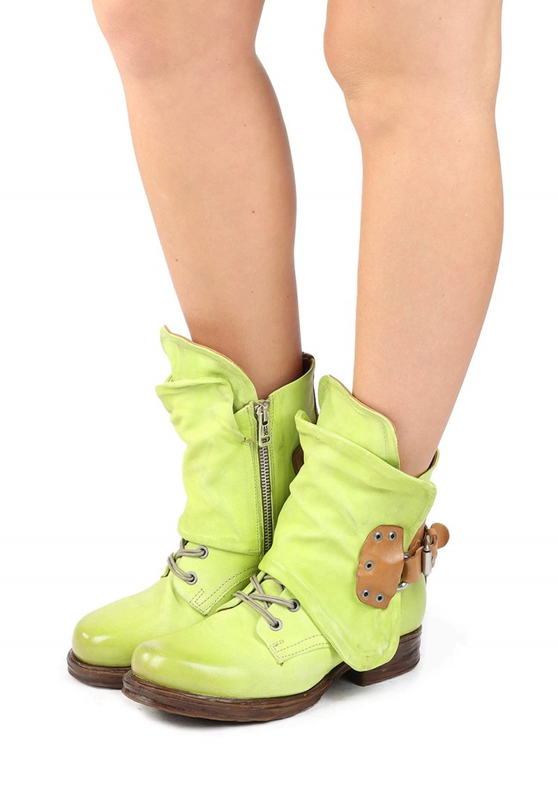 A.S.98 - Cowboy/biker ankle boot - acido