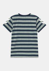 Hummel - AJAX UNISEX - T-shirt print - grey melange - 1
