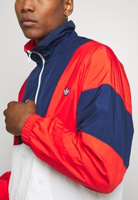 adidas Originals - SAMSTAG SPORT INSPIRED TRACKSUIT JACKET - Windbreaker - red/white - 5