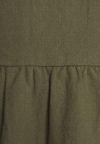 Casa Amuk - BOX DRESS - Denní šaty - olive - 2