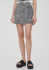 PULL&BEAR - Áčková sukně - black - 0