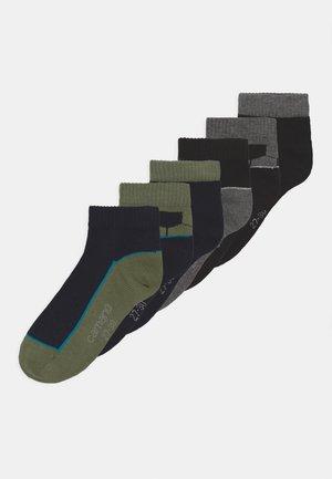 QUARTERS FOOTBALL 6 PACK - Socks - black