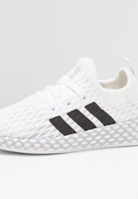 adidas Originals - DEERUPT RUNNER - Trainers - footwear white/core black/grey two - 2