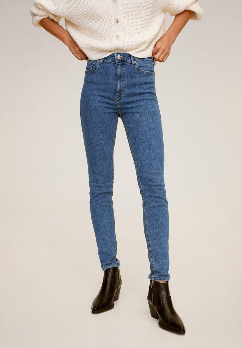 Mango - MIT HOHEM BUND NOA - Jeans Skinny Fit - mittelblau