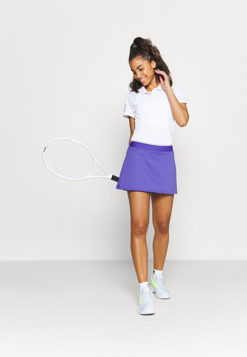 adidas Performance - CLUB SKIRT - Sports skirt - purple/white