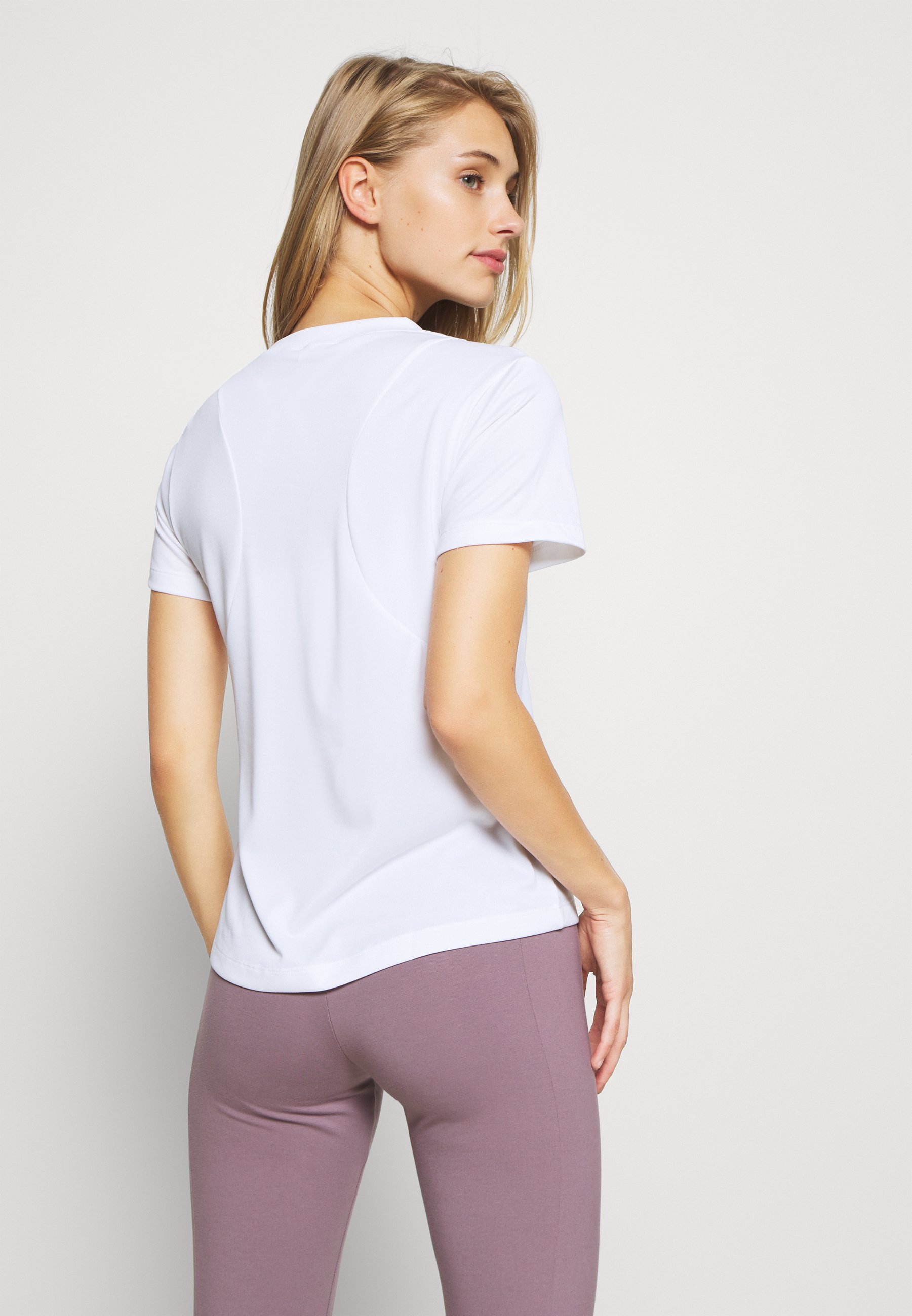 adidas Performance LOGO TEE - Print T-shirt - white NbOrS
