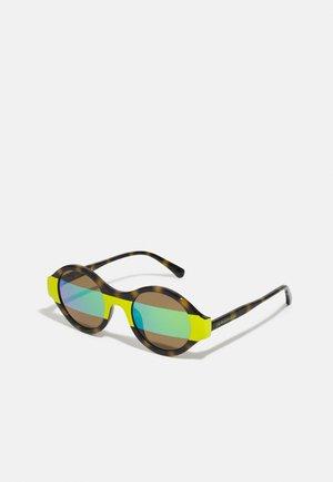 Sunglasses - cargo