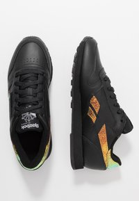 Reebok Classic - CLASSIC  - Sneakers laag - black - 3