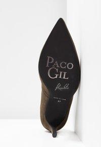 Paco Gil - MINA - Decolleté - dehesa - 6