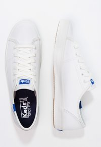 Keds - KICKSTART LEATHER - Sneakersy niskie - white/blue - 2