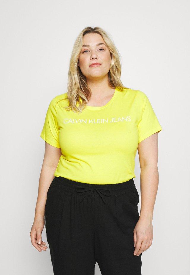 INSTITUTIONAL TEE - T-shirt print - bright sunshine
