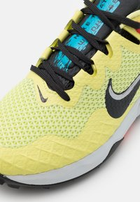 Nike Performance - WILDHORSE 7 - Chaussures de running - limelight/off noir/laser blue/chile red - 5