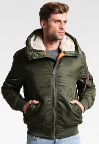 Alpha Industries - HOODED STANDART FIT - Light jacket - dark green - 0