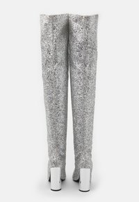 BEBO - LIMA - Kozačky na vysokém podpatku - silver glitter - 3