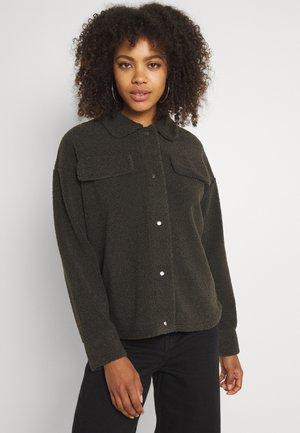 PCCARMELLO JACKET  - Summer jacket - black olive