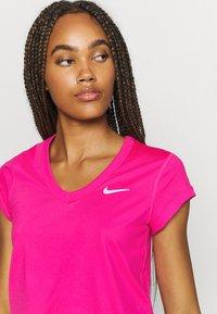 Nike Performance - DRY - Jednoduché triko - vivid pink/white - 4
