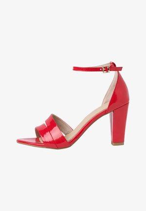 Sandály na vysokém podpatku - fire patent