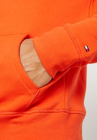 Tommy Hilfiger - LOGO HOODY - Sweat à capuche - orange - 5