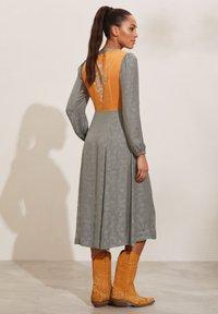 Odd Molly - SIENNA - Day dress - faded cargo - 2