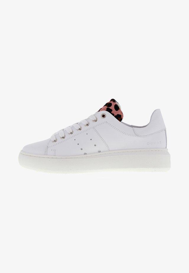 INGEBORG - Sneakers laag - weiß rosa
