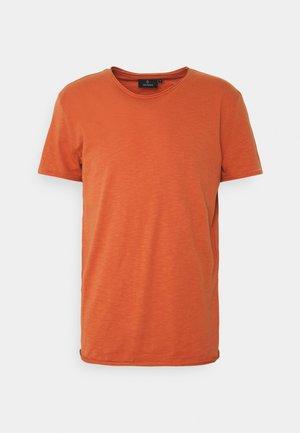 CASUAL - Basic T-shirt - summer orange