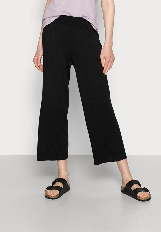 WIA CULOTTE PANTS - Trousers - black deep