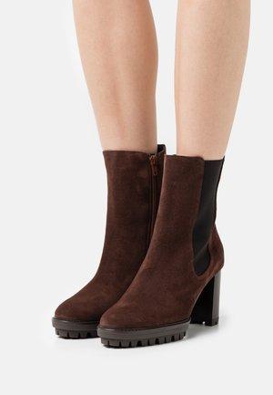 SKY - Platform ankle boots - chocolat