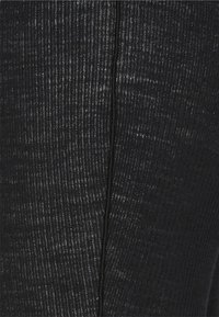 MM6 Maison Margiela - PANTALONE - Leggings - Trousers - black - 6