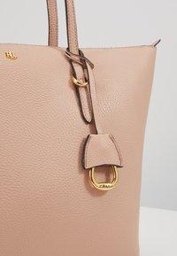 Lauren Ralph Lauren - GRAIN KEATON - Handbag - mellow pink - 3