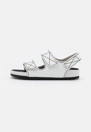 BIRKENSTOCK X PROENZA SCHOULER - Sandaler - white