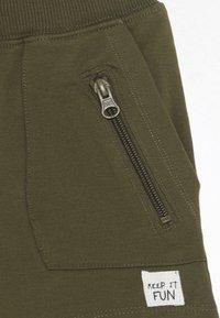 Name it - NMMDIMMY - Shorts - ivy green - 2