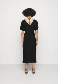 Victoria Beckham - TIE DETAIL SHORT SLEEVE  - Day dress - black - 2