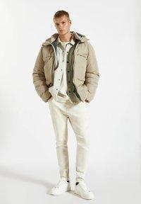 PULL&BEAR - Winter jacket - mottled beige - 1