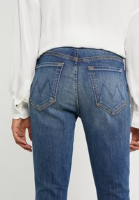 Mother - HIGH WAISTED LOOKER ANKLE CHEW - Jeans Skinny Fit - not rougn enough - 5