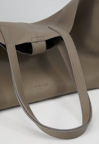 Liebeskind Berlin - CARLI - Tote bag - cold grey - 5