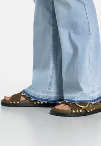 Samoon - Bootcut jeans - light blue denim - 2