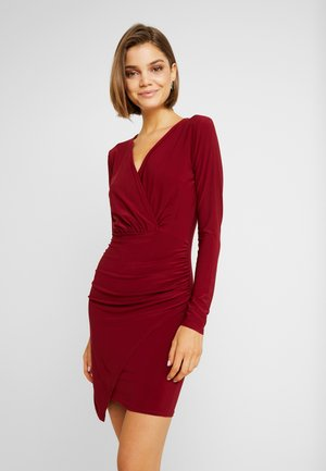 SLINKY WRAP OVER MINI DRESS - Etuikjole - burgandy